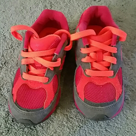 sneakers for cheap 2bae0 0428d LIKE NEW NEW BALANCE 990 KIDS 9C